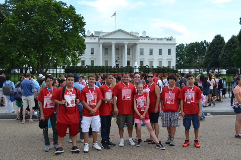White House: Students representfor Leonard Peltier